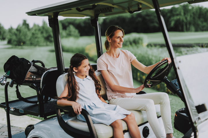 young-mom-daughter-golfer-family